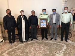 دیدار فرمانده انتظامی مسجدسلیمان با خانواده شهید