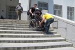 معلولان به عنوان شهروندان این جامعه حق دارند همانند سایرین از امکانات شهری استفاده کنند