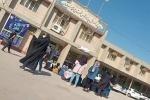 تجمع جمعی از دانش آموزان مسجدسلیمانی در اداره آموزش و پرورش و اعتراض به برگزاری آزمون حضوری پایه های نهم و دوازدهم